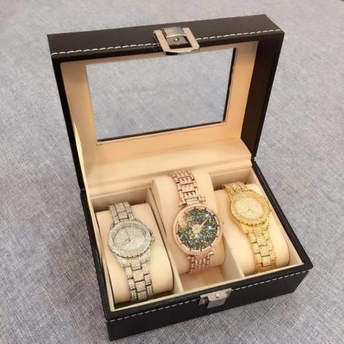 Cutie pentru trei ceasuri