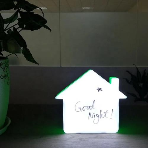 Lampa personalizabila cu mesaje