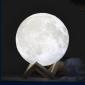 Lampa in forma de luna